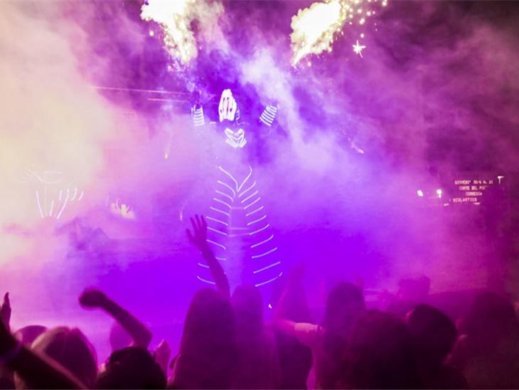Leggi news | Foto Schiuma Party e Laser Show A Bellusco Monza