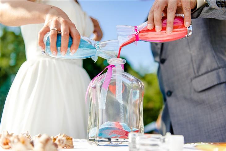 Rito della sabbia per il matrimonio: ecco come avviene