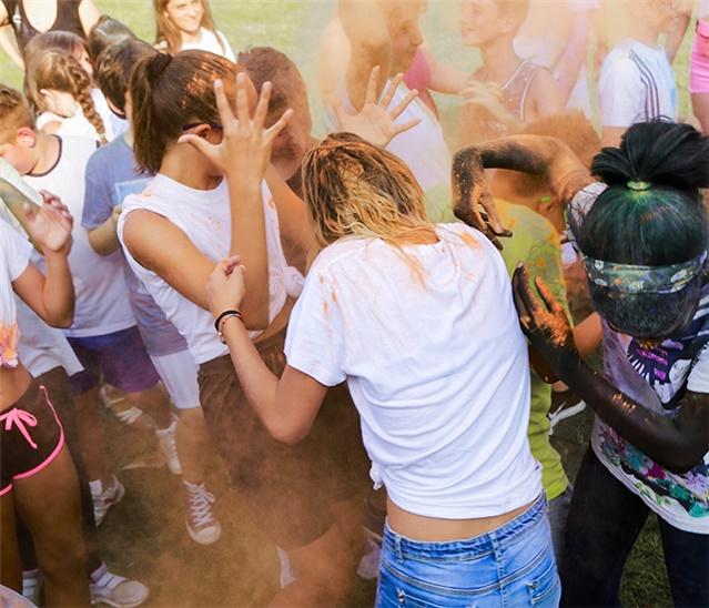 Color Holi Party Al Sangiu Summer Village Di Seriate