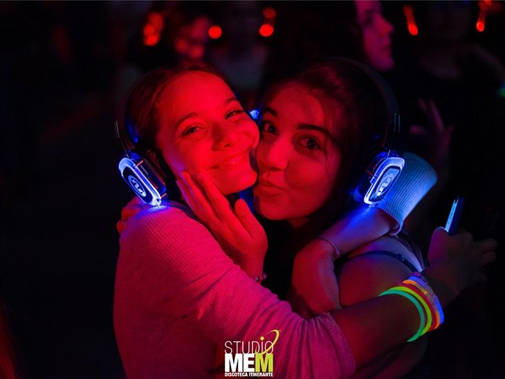 Leggi news   Silent Disco Matrimonio   DJ, Noleggio Cuffie e Attrezzatura