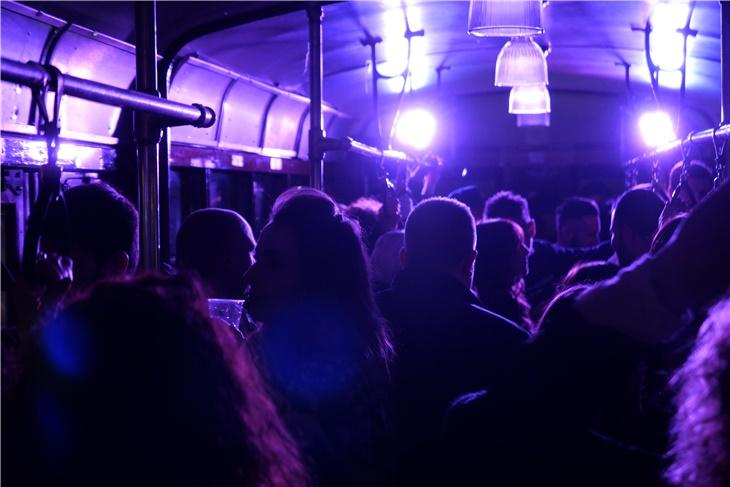 Festa in tram