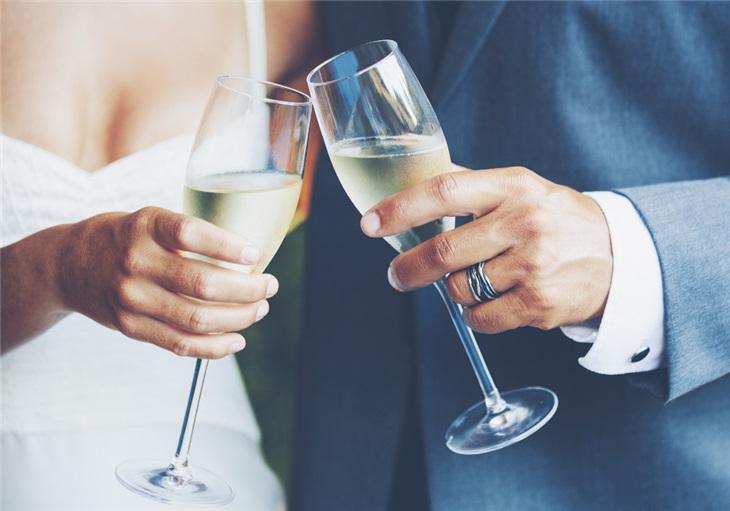 Scegliere la musica perfetta per l'aperitivo del matrimonio